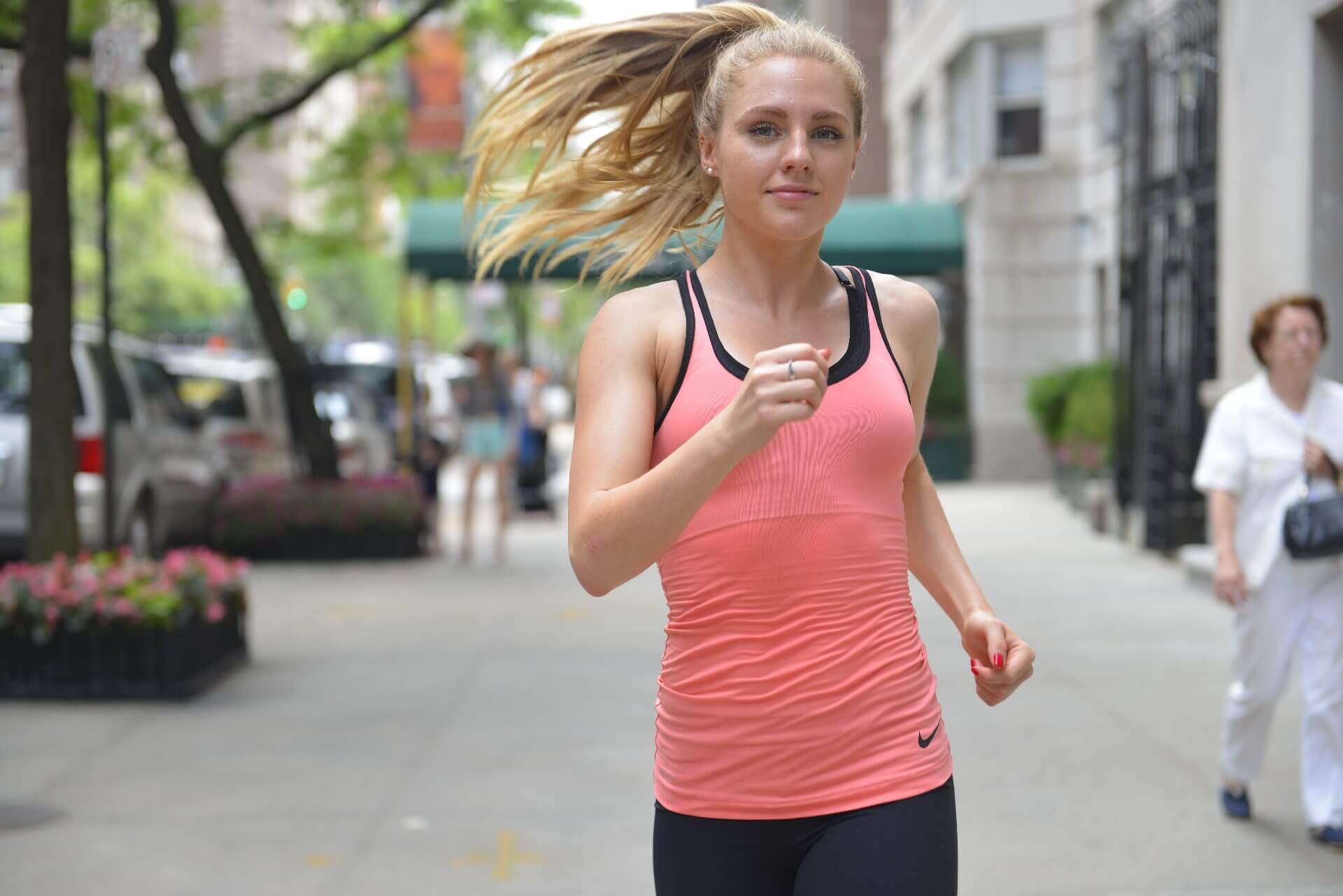 woman-run